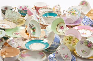 tea cups and saucers - collectables and antique collections - antiques are green